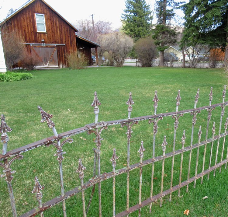 Barn for teaching art in Sun Valley